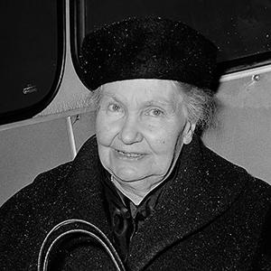 Aankomst mevrouw dr. G. Kurtz op Schiphol, ontvangt Albert Schweitzerprijs (kop) *22 januari 1965